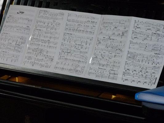 """Largo aus der Sinfonia n:o 4 """"Jean Sibeliuksen muistolle"""" (w 261) als Pianoversion"""