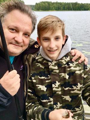 FAH mit Sohn Paul beim Angeln 2019 in Ruovesi