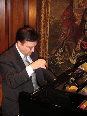 """FAH spielt die """"Casanova""""-Suite (w 230 a) 2007 in der Oetkerhalle in Bielefeld"""