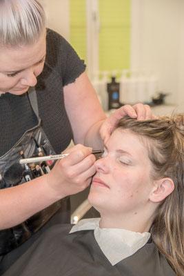 Braut-Make-up bei Coiffure Lockenroll-Steffisburg