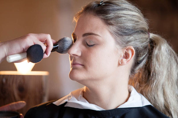 Braut-Makeup-Visagistin-Raum-Thun