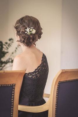Hochsteckfrisur-asymetrisch-Trauzeugen-Coiffeuse-spezialisiert-auf-Brautfrisuren