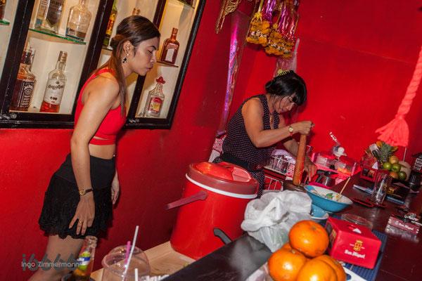 Barfrau : Mutti und Allrounder
