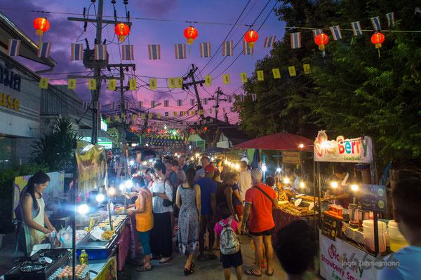 Sonntags-Markt in Lamai