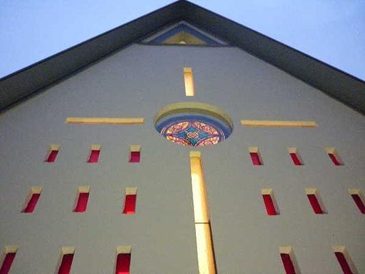 Kapellengiebel / Beleuchtung im Advent