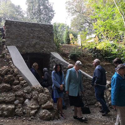 Zugang zur Grotte