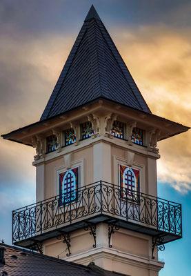Turm, kunstverglaste Fenster Hans-Gasser-Platz, Villach, Foto: Andrey Kraev
