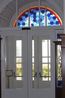 Kunstverglasung Türe AHA Seniorenresidenz Draupark Villach Mosser Franz Heili