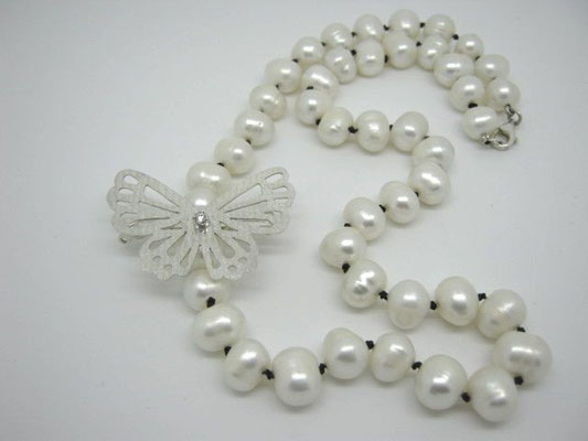 """Louie"" - Stg Sil Butterfly Hair Clip with Diamond & Pearl Strand"