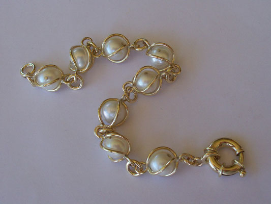 """For Evaline"" - 9ct Gold & Pearl Bracelet"