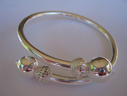 Sterling Silver Hippee Bangle