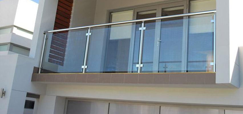 Poste para barandal de acero inoxidable herrajes para for Architecture poste a poste