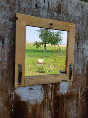 Bienenhausfenster-verspiegelt