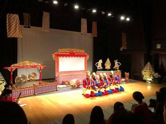 留学生によるサマン踊り