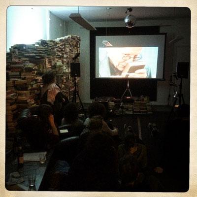 """Filmabend im Cosmic Tiger (""""Der Antiquar am Hirschengraben"""") Foto: Nadia Schweizer"""