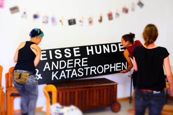 """Logo """"Heisse Hunde & andere Katastrophen"""""""