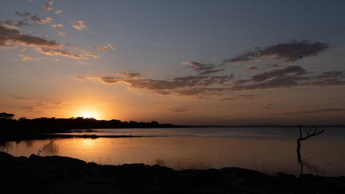 Crépuscule sur le lac Langano depuis le magnifique Hara lodge.
