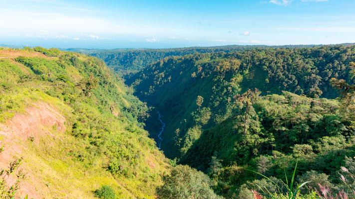 Point de vue entre Alajuela et le volcan Arenal