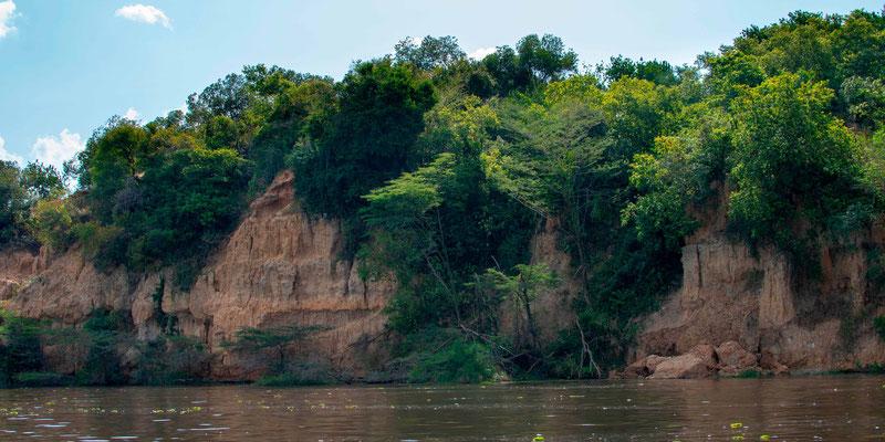 Falaise bordant le Nil Victoria