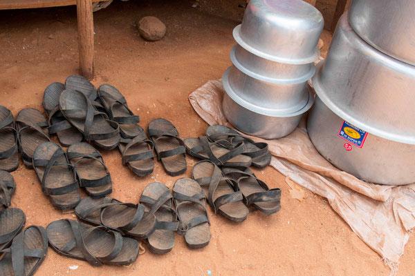 Sandales des Karamojong fabriquées en pneu