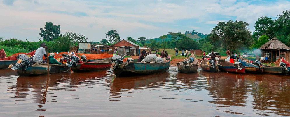 Débarcadère des pirogues à Mabamba