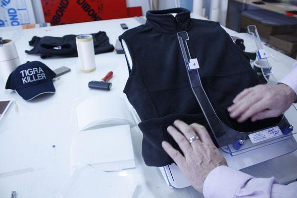 Fleecejacken Fleece Jacken bestickt besticken lassen StyleWerk Werbetechnik Assecura