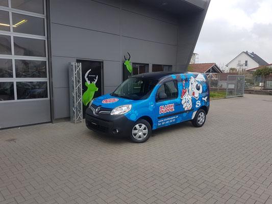 Vollverklebter Carwrapping Renault Kangoo Fahrzeugbeschriftung Slush Puppy