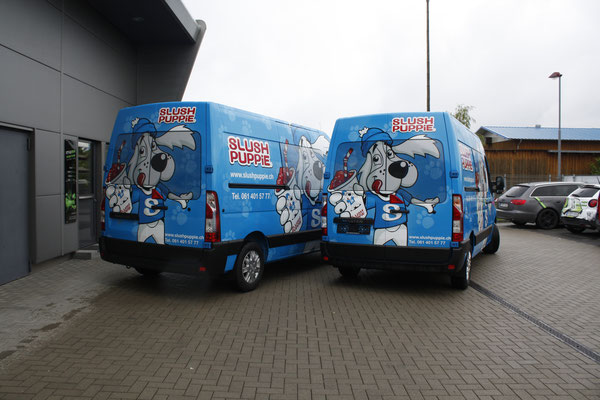 Vollverklebter Carwrapping Renault MasterFahrzeugbeschriftung Slush Puppy