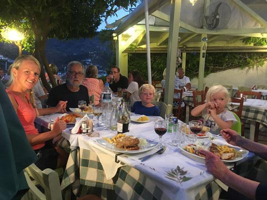 Abendessen in Poros
