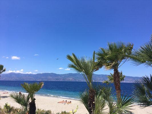 Promenade und Strand von Reggio Calabria