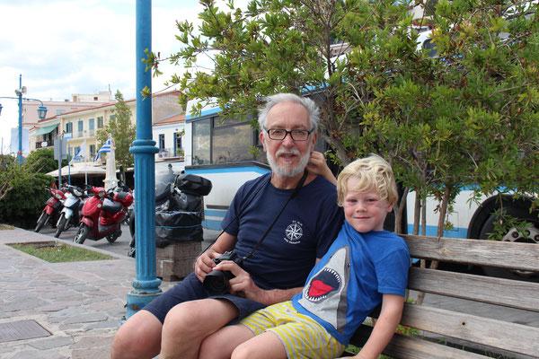 Opa und Jakob in Poros