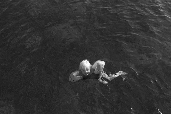 Emily mittlerweile alleine unterwegs ums Boot