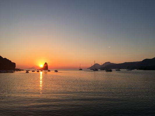 Sonnenuntergang bei Vulcano
