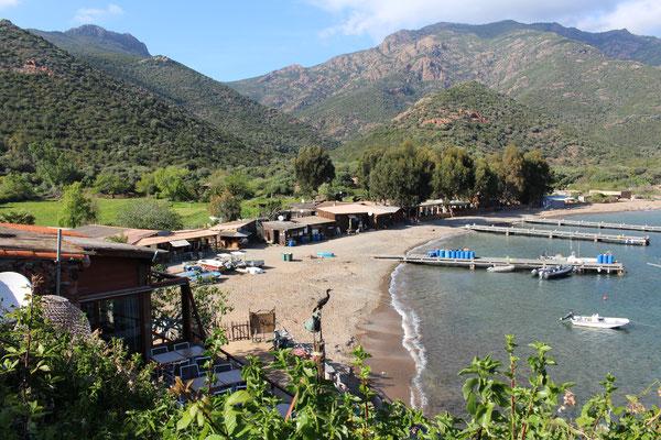 Der Hafen von Girolata