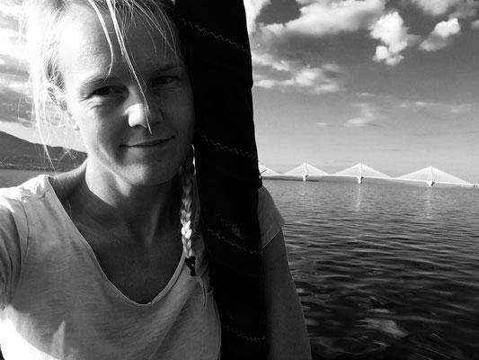 Auf dem Weg zur Brücke