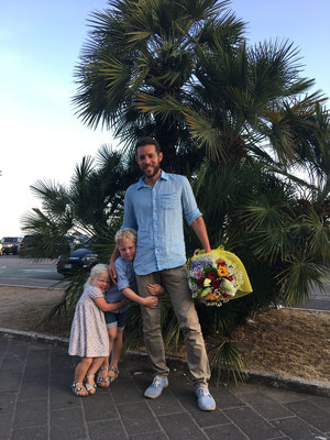 Schicki Micki vor dem Besuch bei Paola und ihrer Familie