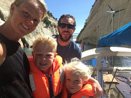 Die Alia Crew im Corinth Kanal