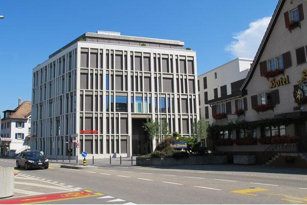 Zahnarztzentrum Churerstrasse 42, Pfäffikon SZ / Freienbach am Zürichsee