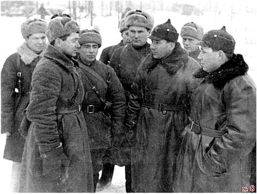 Справа налево. Штыков Т.Ф., Горохов П.И., Лушников А.М.(?), Доильницын А.С.