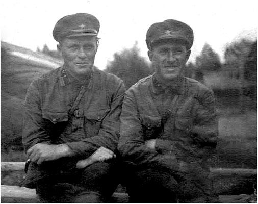 Доильницын А.С., справа. Рядом возможно его друг Лаврухин В.А., комиссар 173 сп.