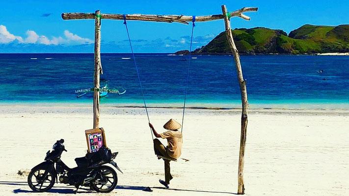 Tanjun Aan - beautiful beach