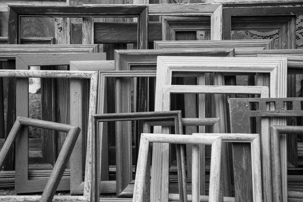 schwarz weiß bild von einigen klassischen holz und stuck Rahmen