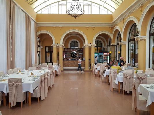 Restaurant im Bahnhof Borjomi