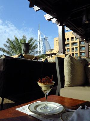 Tiramisu auf der Terrasse des Hotels Mina A'Salam