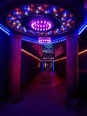 """""""Paradise Point of Sex"""" ist das größte Laufhaus Hamburgs und bereits das zweitgrößte Europas."""