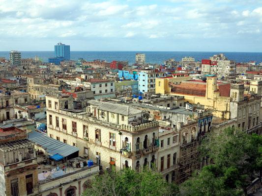 Blick von der Dachterrasse des Hotels Parque Central nach NW auf den Paseo del Prado