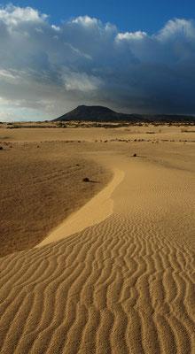 Parque Natural de Corralejo, Blick nach S zur Montaña Roja