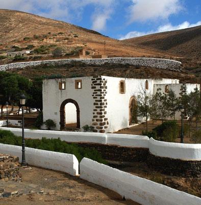 Betancuria, Convento de San Buenaventura, Ruine der Kirche eines im 17. Jh. errichteten Franziskanerklosters