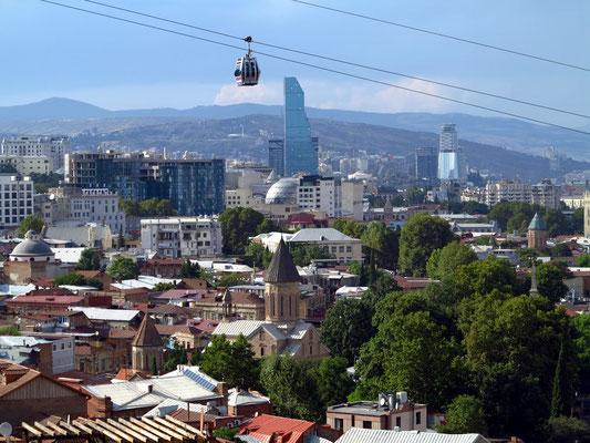 Tbilisi mit alter und neuer Architektur