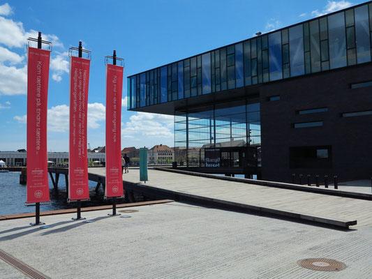 Neues Schauspielhaus von 2008, Entwurf der dänischen Architekten Boje Lundgaard und Lene Tranberg
